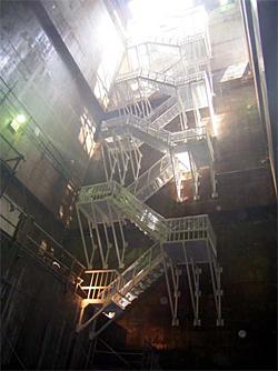 FRP昇降階段