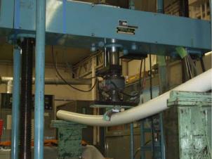 曲げ・圧縮試験機(油圧式)
